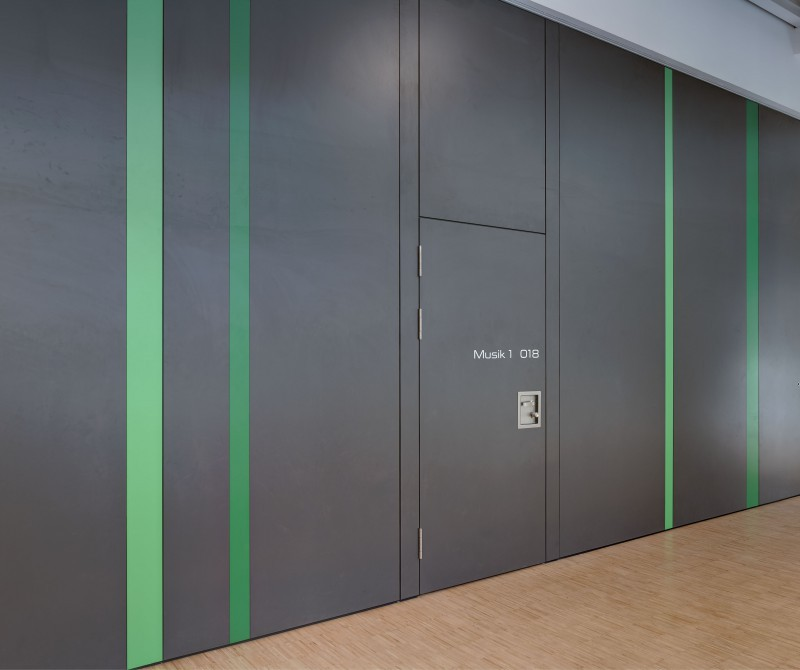Mobile acoustic walls